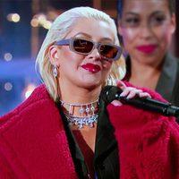 Christina Aguilera mamamaciként turnézik