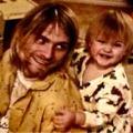 Megható képpel ünnepelte 25. szülinapját Kurt Cobain lánya