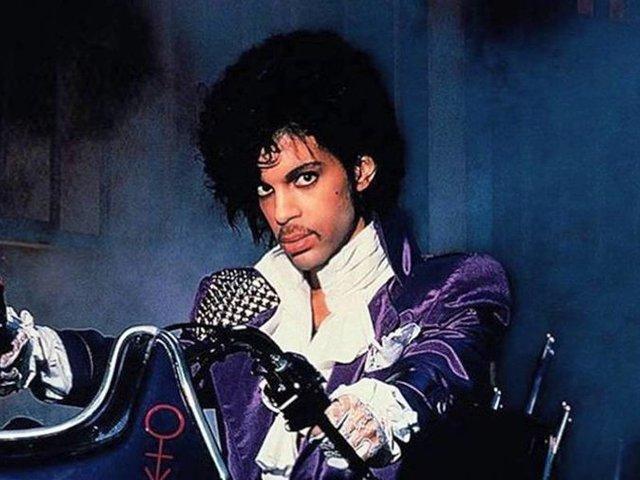 7,6 misiért kelt el egy Prince lemez