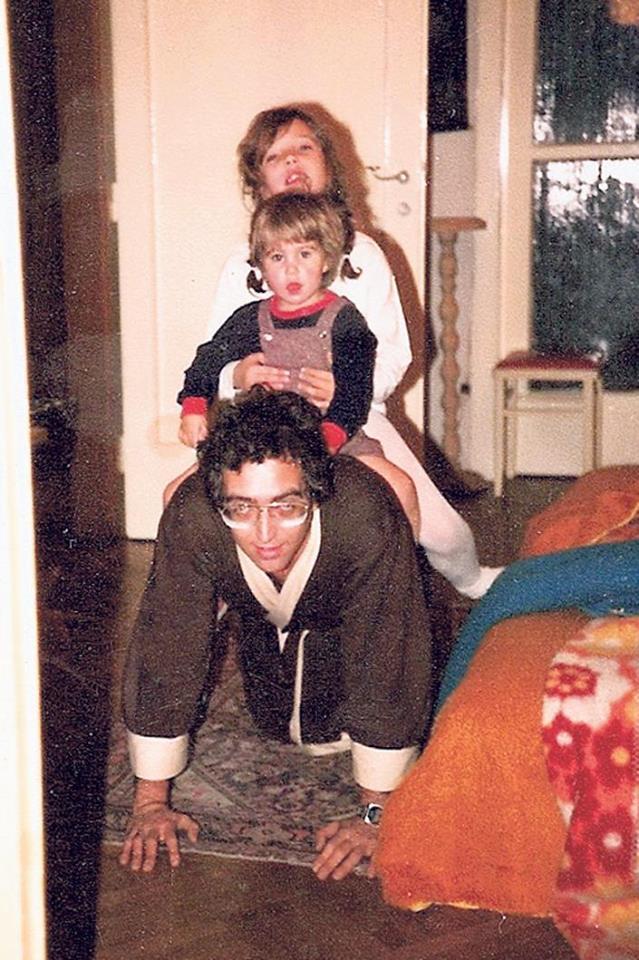 Imádta két kislányát, Editet (hátul) és Dorkát.<br />
