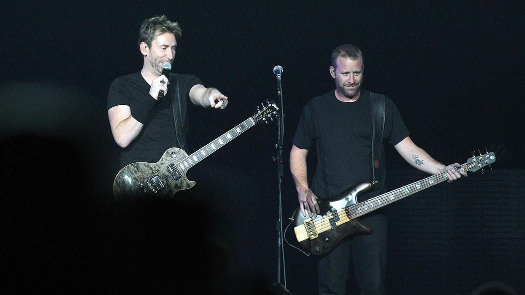 Chad és Mike Kroeger: A Nickelback 1995 óta létezik és a hűvös Kanadából meg sem álltak a világhírnévig. Chad énekel és gitározik, Mike a zenekar bőgőse. A csapat eddig 7 Juno díjat, 7 Grammy jelölést, 2 American Music Award jelölést és 4 Billboard Awards-t nyert.