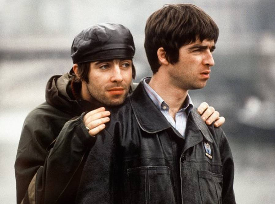 Liam és Noel Gallagher: Az Oasis sikere és bukása is az alapító testvérpárnak, Liamnak és Noelnek köszönhető. A fivérek közötti kibékíthetetlen ellentét okozta a zenekar feloszlását, igaz, mostanság olyan hírek keringenek, hogy talán összejöhet az újraalakulás.