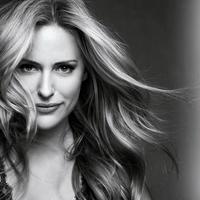 Aimee Mullins a L'Oreal új szépségnagykövete!