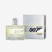 A neve Bond, James Bond...