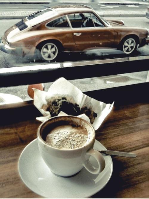 coffe and car.jpg