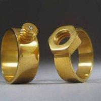 Érdekes jegygyűrű - ha összetartoztok... :)