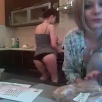 Csajok a konyhában :)