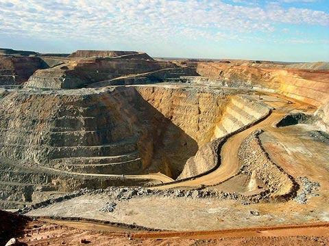 open pit gold mine.jpg