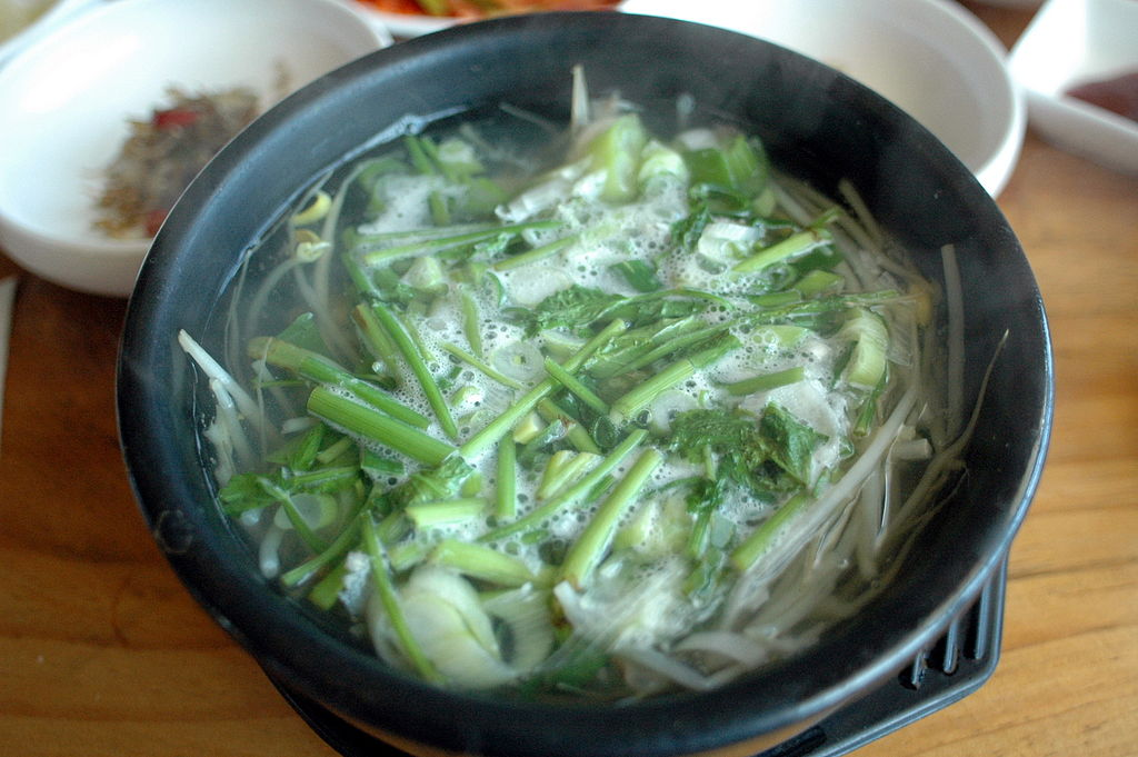 1024px-korean_soup-bokguk-01.jpg