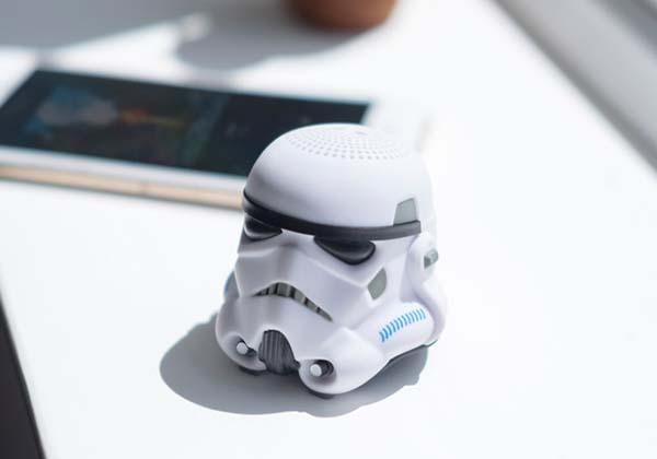 star_wars_stormtrooper_mini_bluetooth_speaker_1.jpg