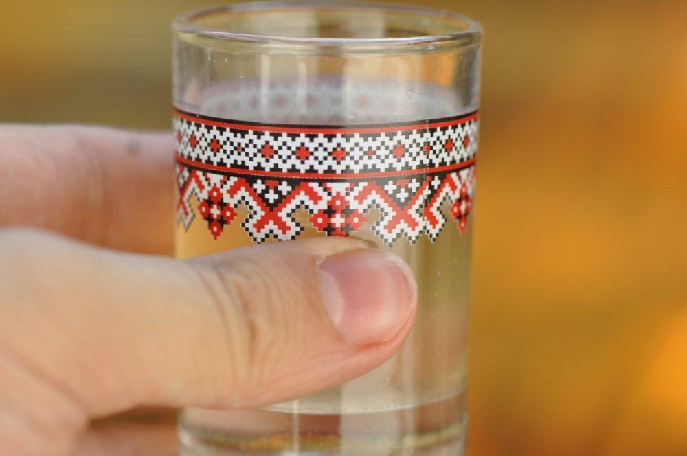 vodka-pohar-pxhere-1000x664.jpg