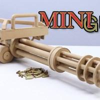 Minigun kartonból