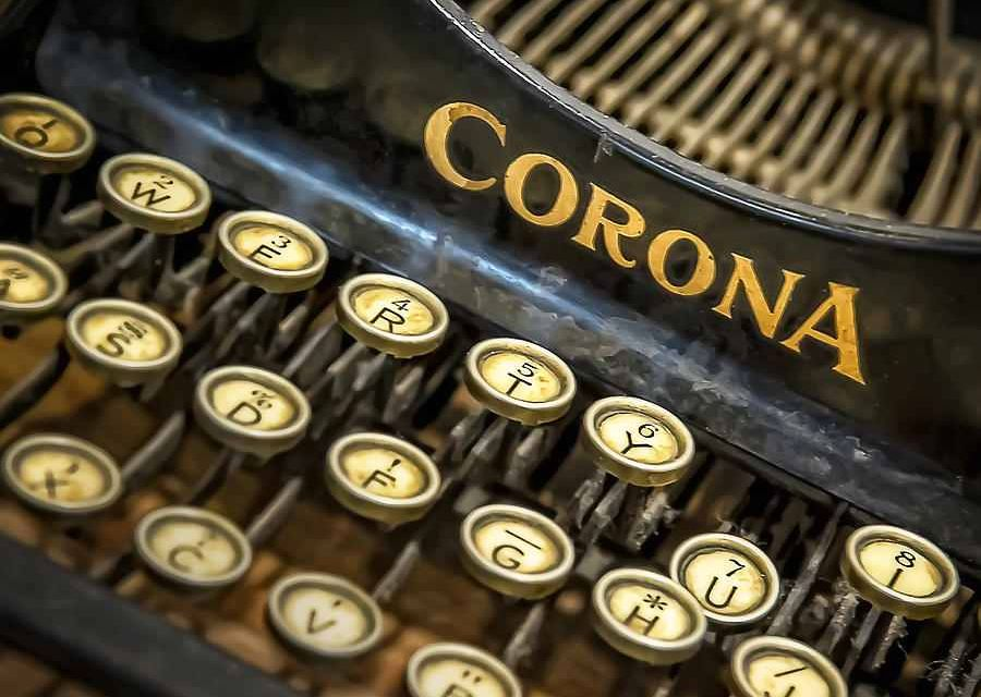 vintage-typewriter-scott-norris.jpg