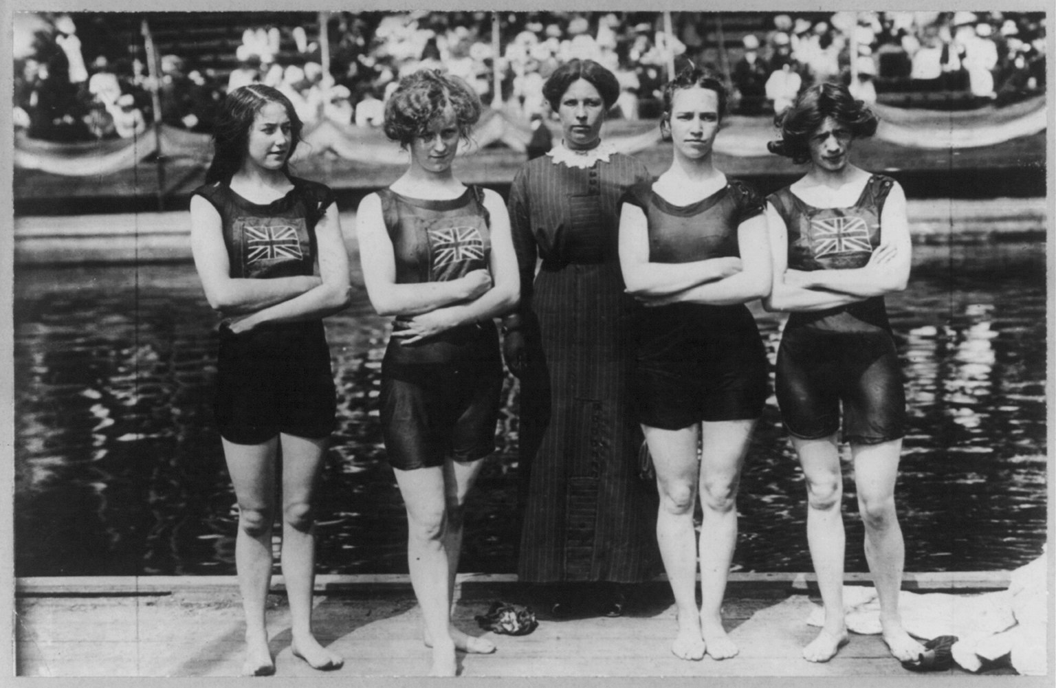 british_freestyle_relay_swim_team_that_won_the_olympic_gold_medal_in_1912_lccn2003677466.jpg