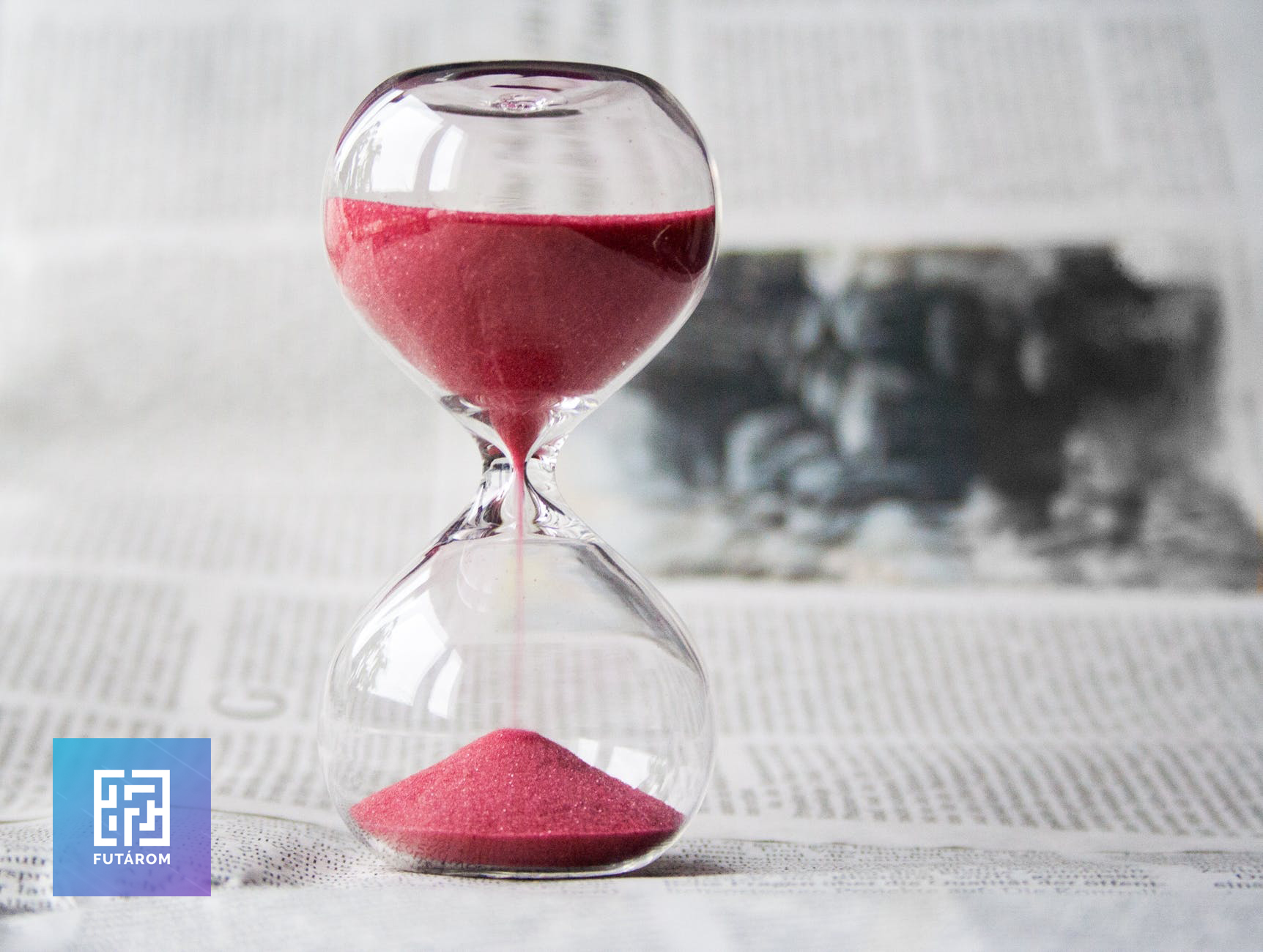 hourglass-time-hours-sand-39396.jpg