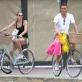 Totti feleségével Miamiban bicajozott