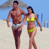 Ronaldo és Irina  a portugál tengerparton