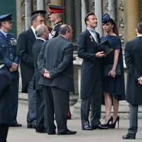 Beckhamék a Westminster apátság előtt