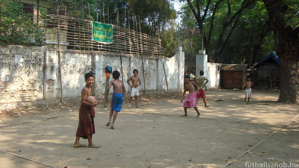 Külvárosi srácok (Mandalay, Mianmar)