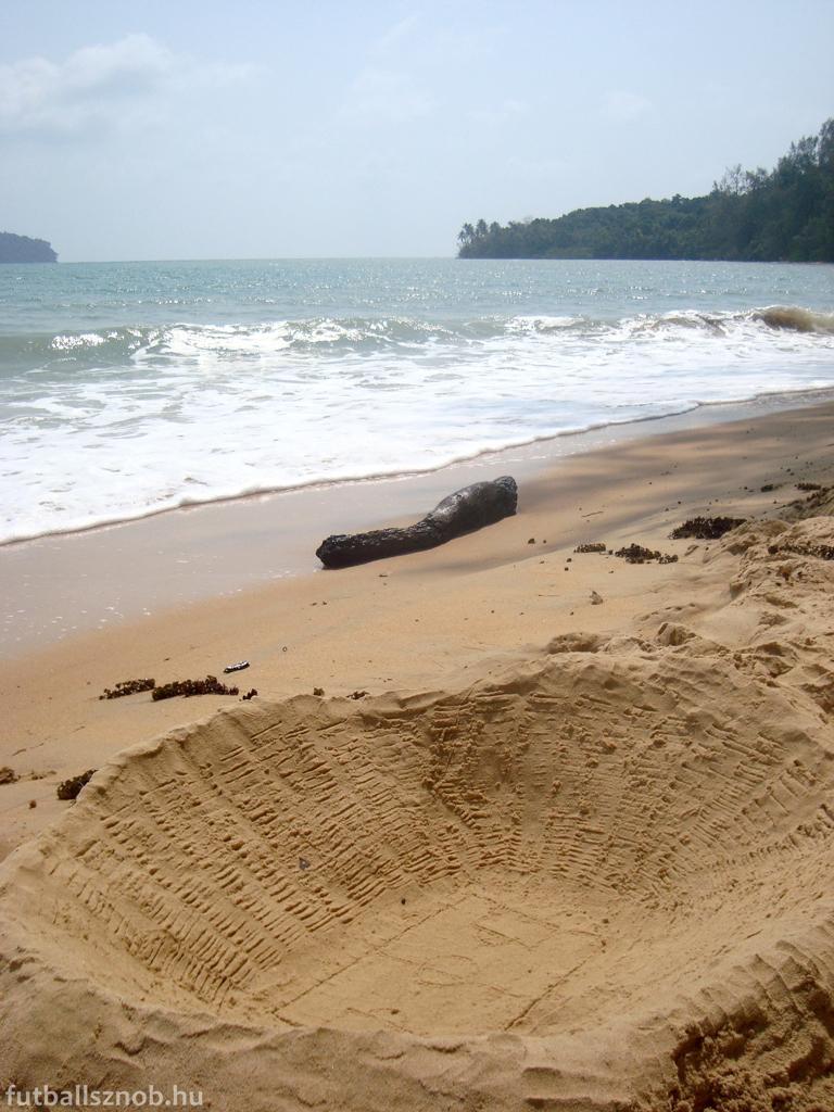 A homokvárnak semmi értelme (Bamboo Island, Otres környéke, Kambodzsa)