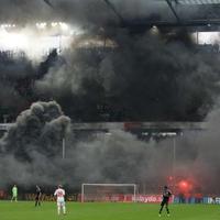 Füstködbe fulladt Poldi búcsúja