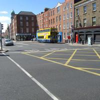 Dublinban autóbuszokból csinálnak villamost