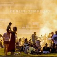 Berlin döntött: a Tempelhofon marad a szép, zöld gyep