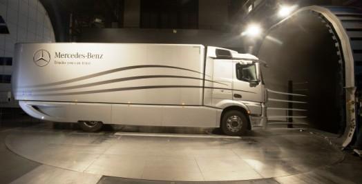 mercedes aero trailer 02.jpg