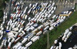 horrible-traffic-jam-pictures1.jpg