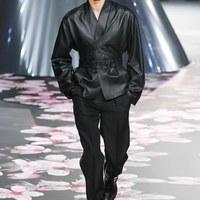 Futurisztikus szettek a Dior Men kollekciójában