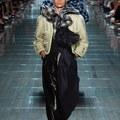 Marc Jacobs extravagáns tavaszi sziluettjei