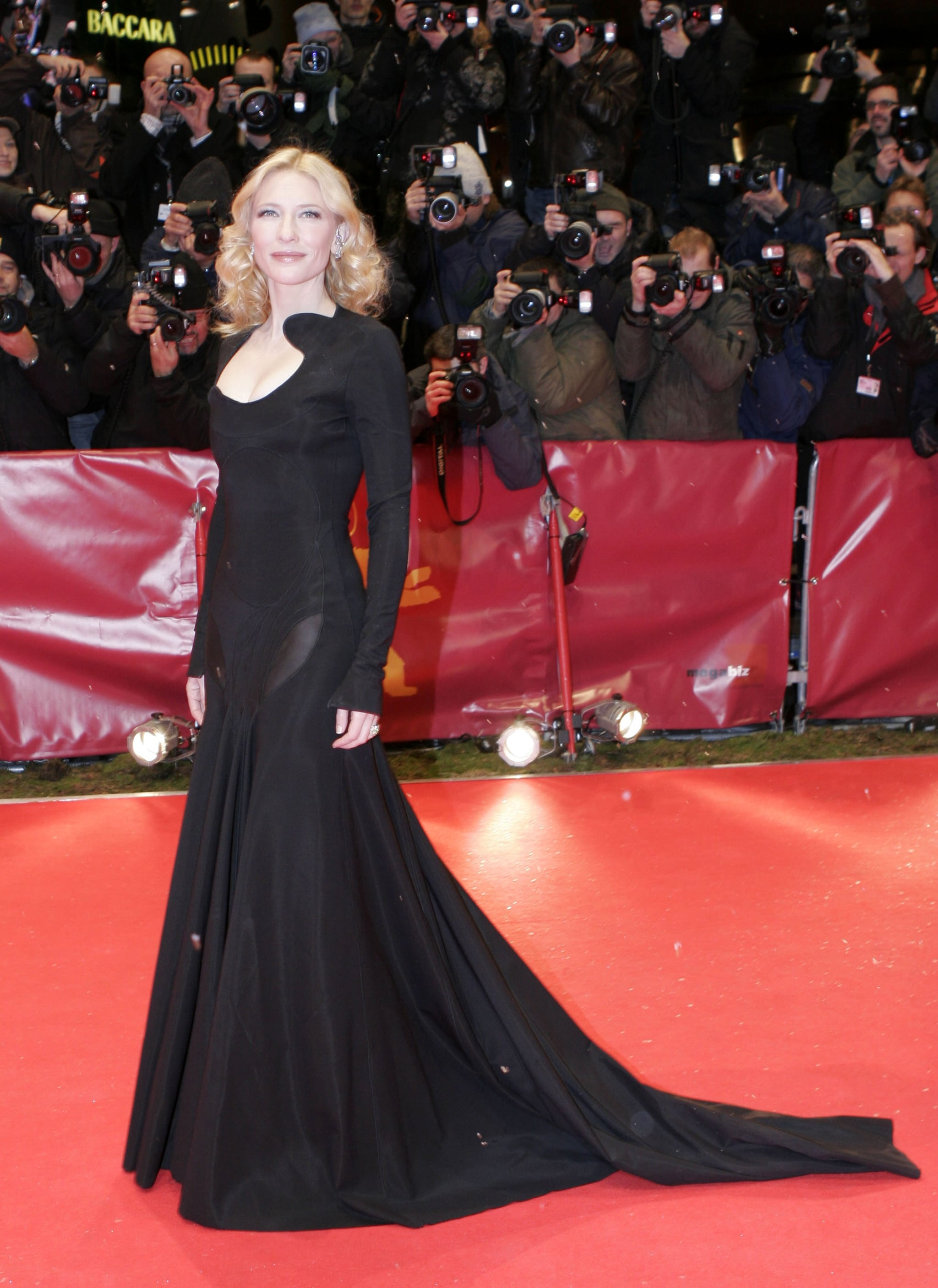 11_cate-blanchett-dramatic-black-gown-2007-berlin-international-film-festival_givenchy_couture.jpg