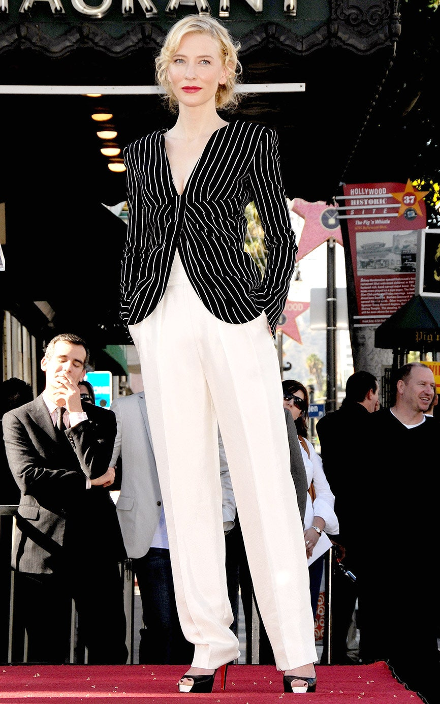 16_wearing_wide-legged_trousers_and_a_pin-stripped_blazer_to_receive_her_star_on_the_hollywood_walk_of_fame_2008.jpg