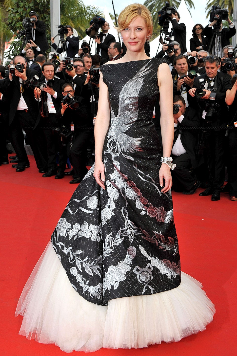 17_the_robin_hood_premiere_at_the_2012_cannes_film_festival_may_2010_alexander_mcqueen.jpg