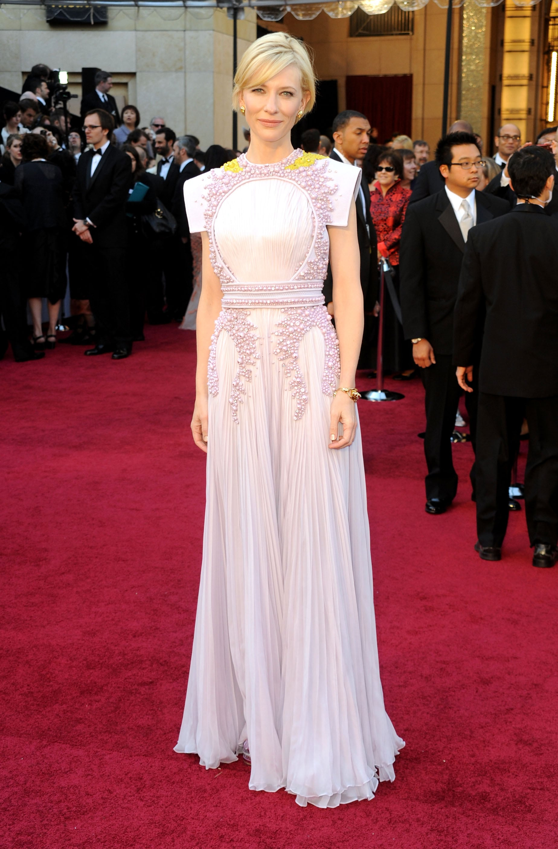 19_cate_blanchett_at_the_academy_awards_2011_givenchy_couture.jpg