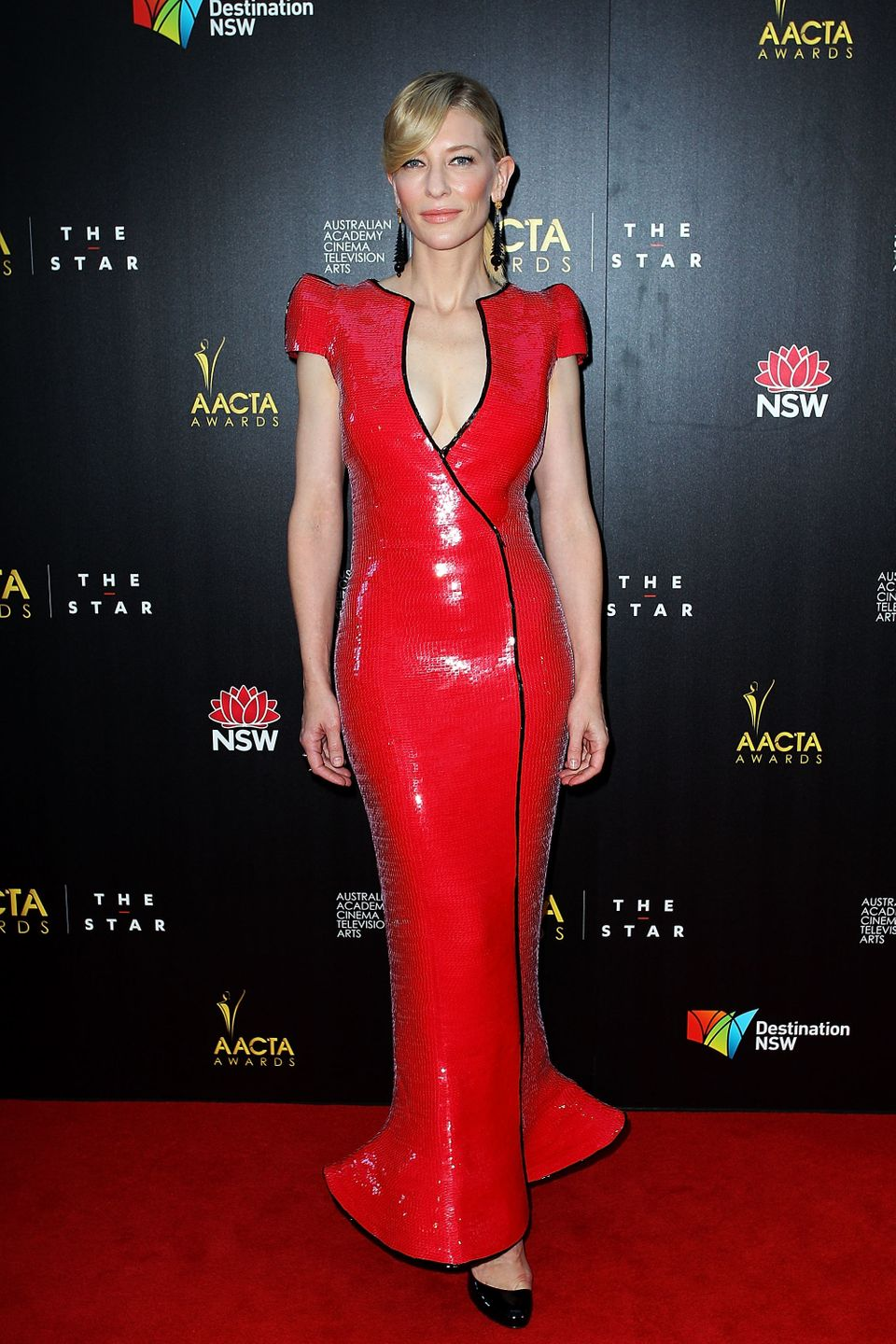 22_thanks_to_the_deep_plunge_and_bold_hue_cate_s_red_sequined_armani_prive_gown_was_a_daring_choice_but_one_that_truly_paid_off_at_the_2013_aacta_awards_in_january_in_sydney2.jpeg