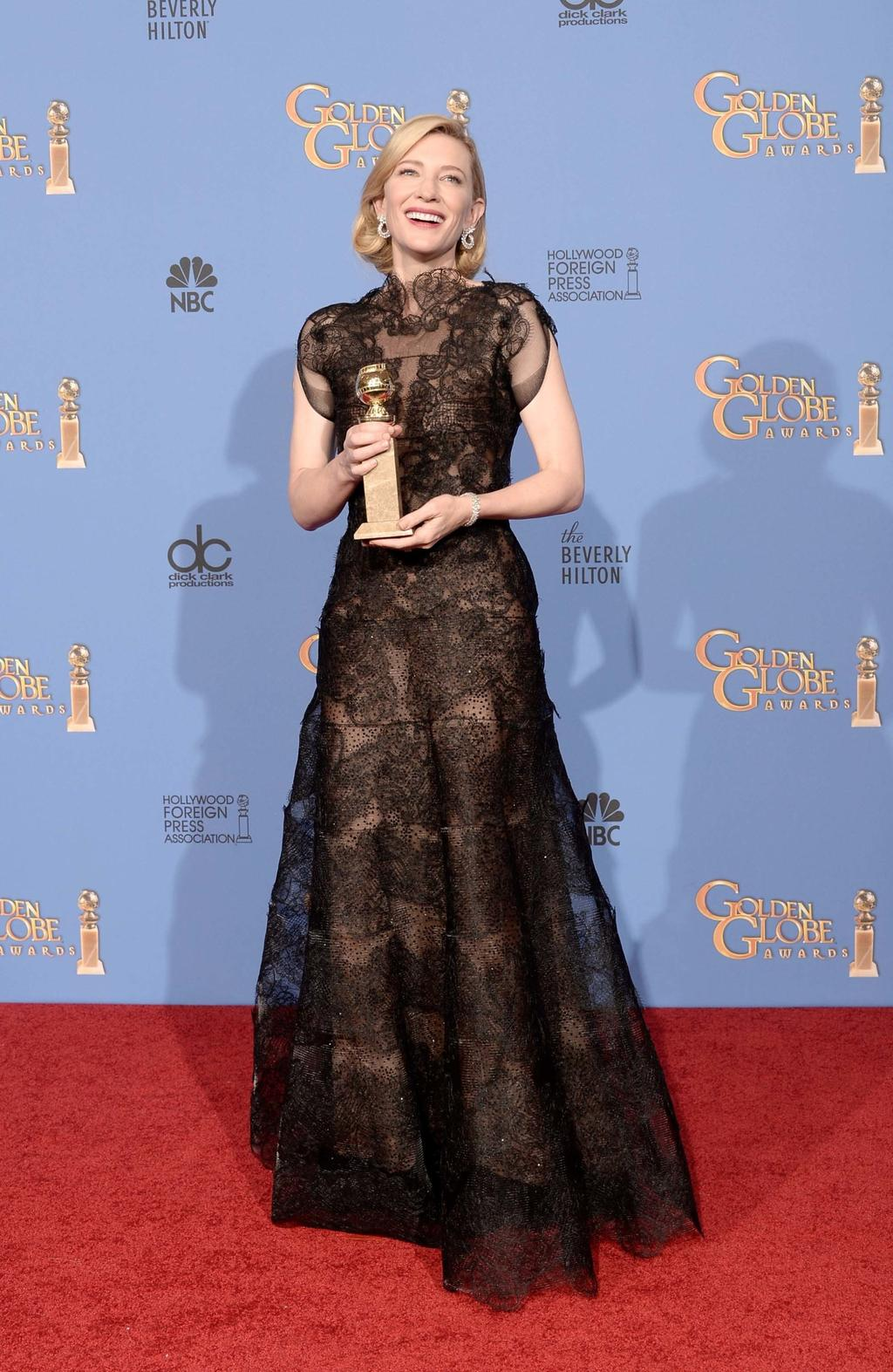 30_armani_couture_after_her_2014_golden_globes_best_actress.jpg