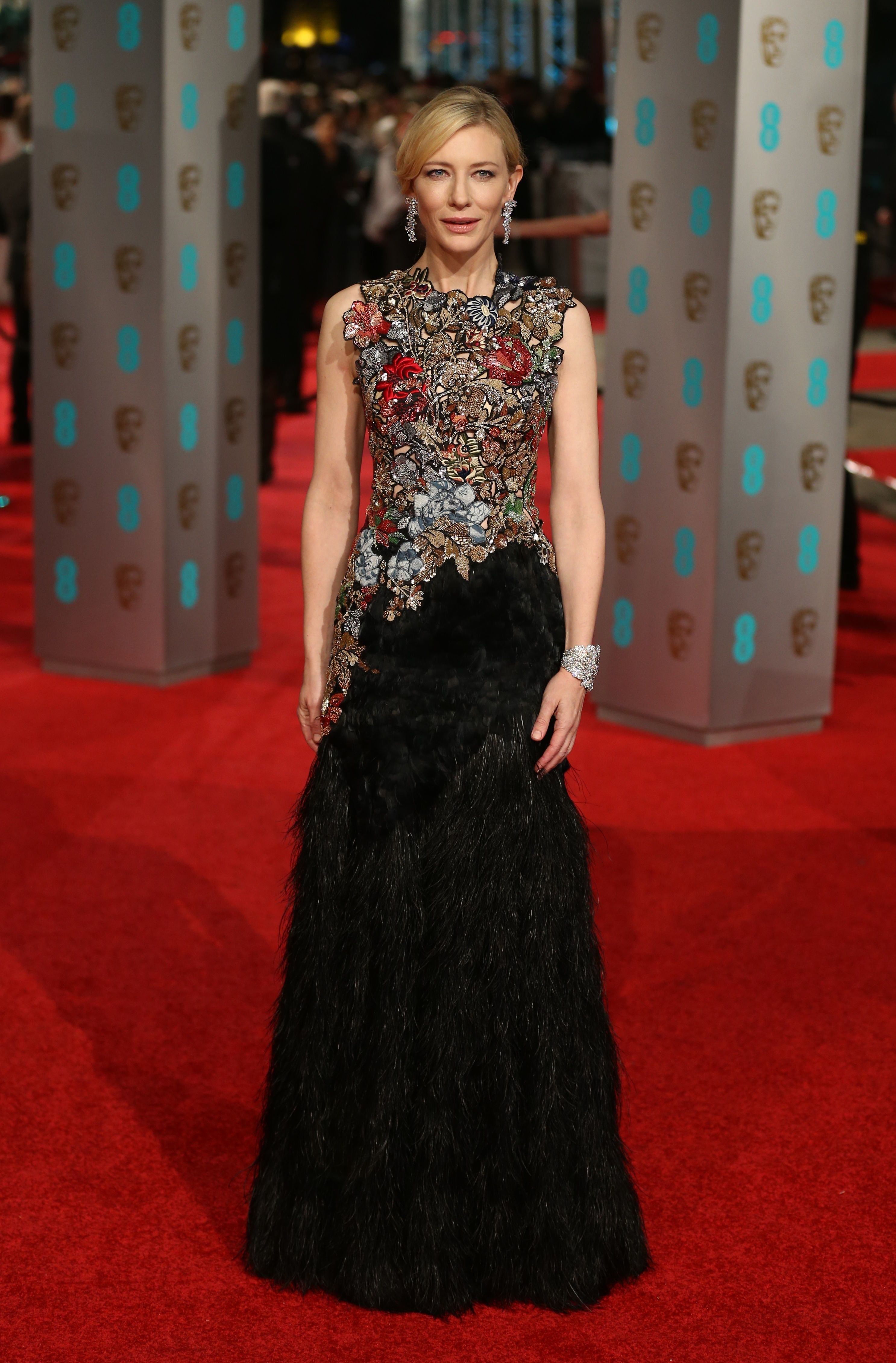 36_alexander_mcqueen_gown_to_the_2016_bafta_awards_at_the_royal_opera_house_in_london.jpg