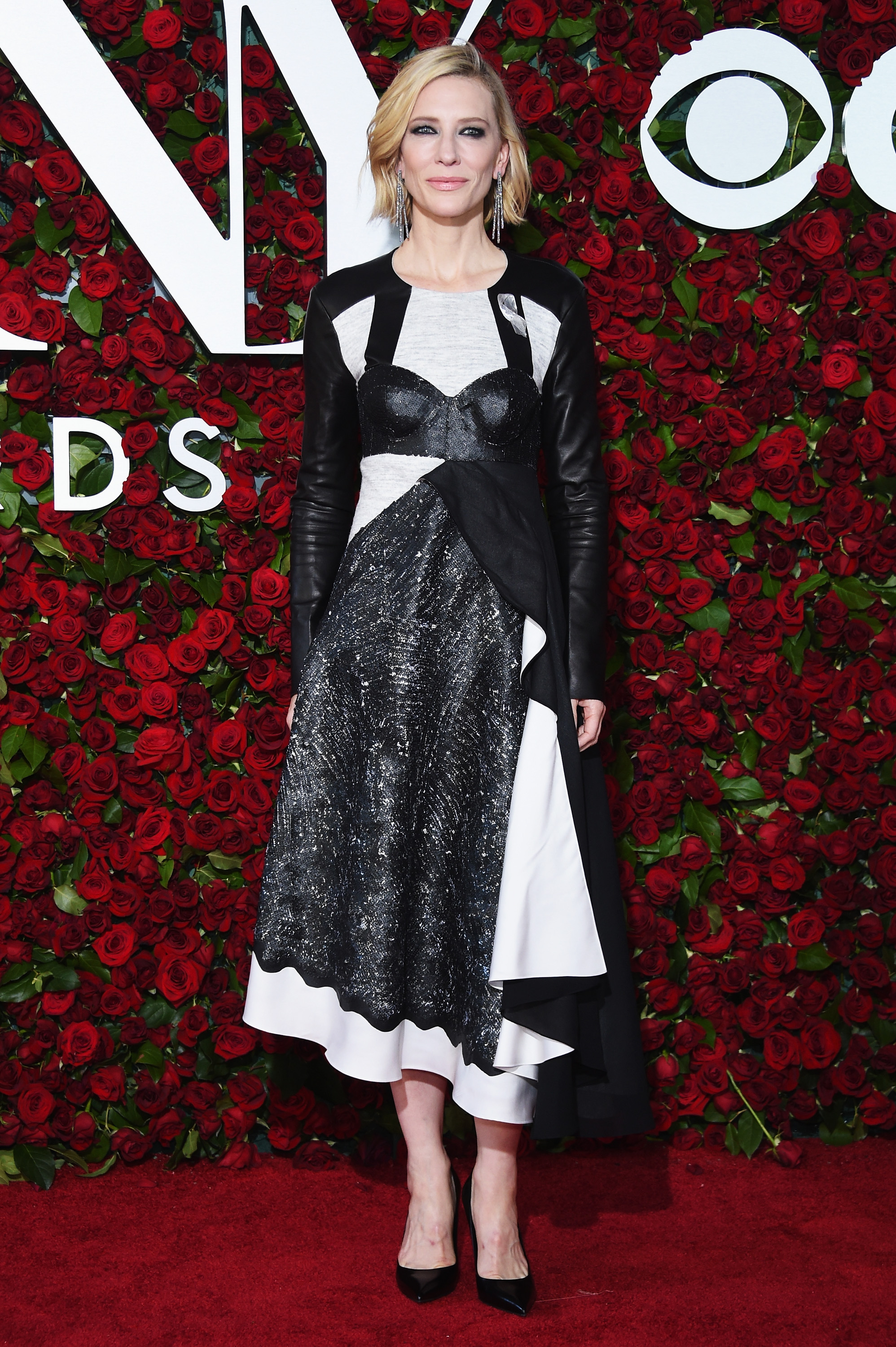 37_at_the_70th_annual_tony_awards_in_2016_wearing_louis_vuitton.jpg