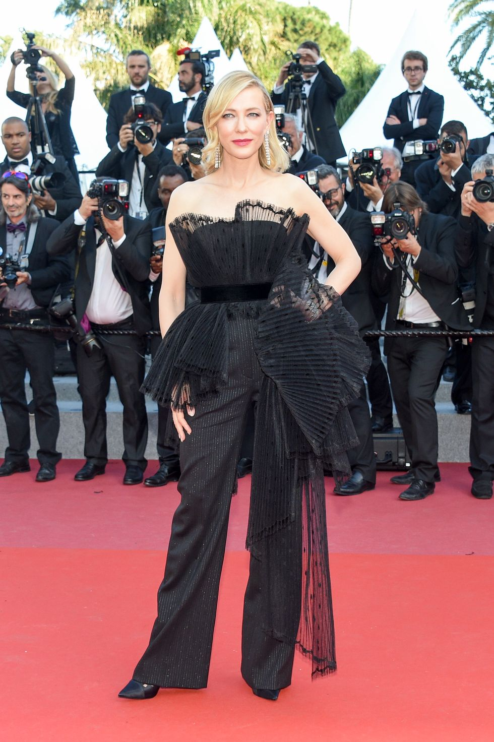 45_cate-blanchett-gettyimages-cannes_2018_givenchy_couture.jpg