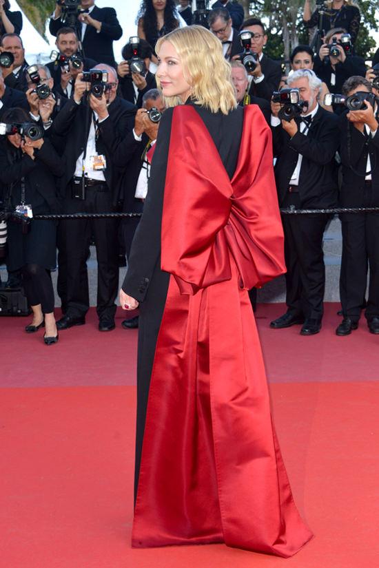 47_cate-blanchett-cannes-2018-closing-ceremony-red-carpet-fashion-alexander-mcqueen-tom-lorenzo-site-5.jpg