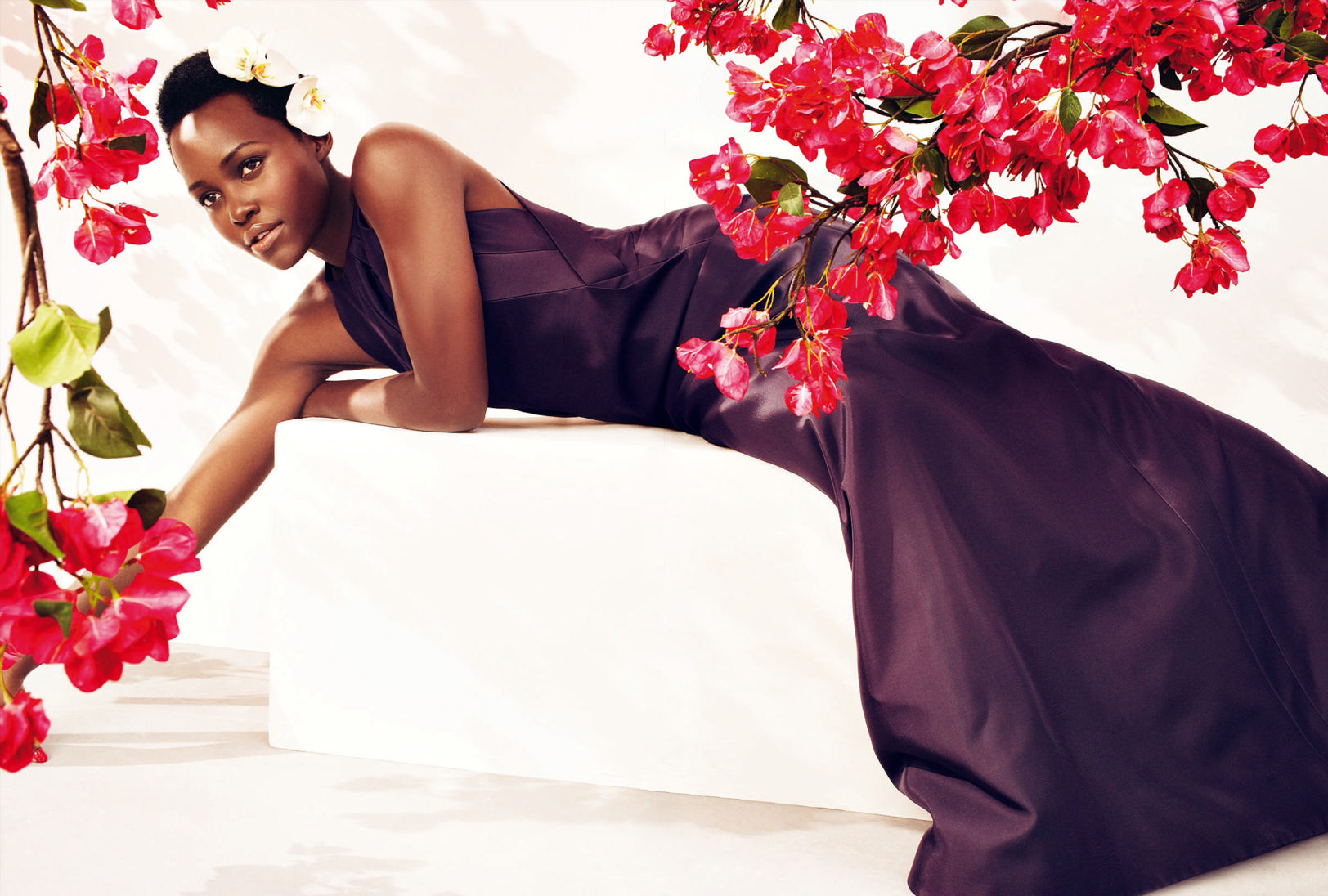 lupita-nyongo-by-alexi-lubomirski-for-harpers-bazaar-uk-may-2015-6.png