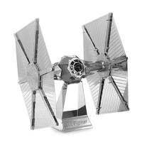 Hajtogass Star Wars űrhajót fémből!