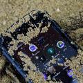 Fényszórót szereltek az Oukitel IP68-as telefonjára