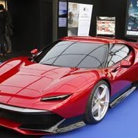 Ez most komoly, már a 4 éves gyerek is Ferrarival jár?