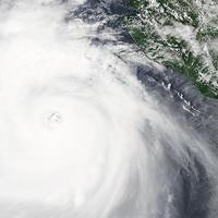 Dora, a trópusi vihar