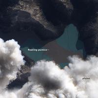 Úszó horzsakő a Puyehue-Cordón Caulle vulkanikus komplexum közelében