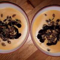 Csilis sütőtökkrém leves