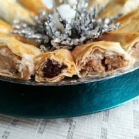 Birsalmás-diós és étcsokis-asztalt áfonyás mini rétesek