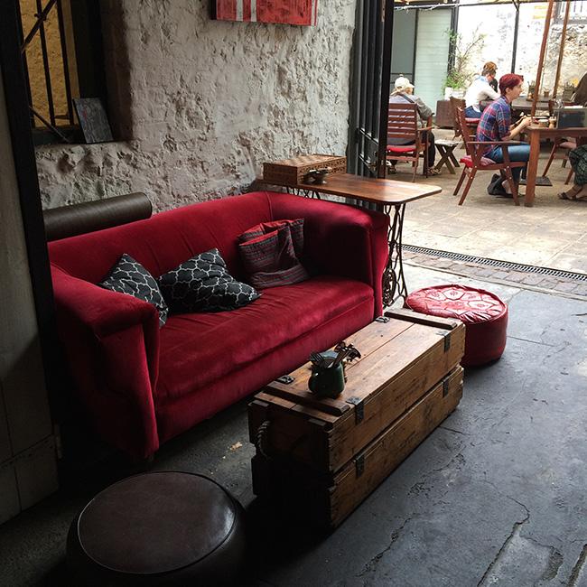 mooreandmoore_fremantle-coffeeshop-05.jpg